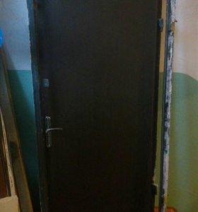 Дверь металическая в хорошем состоянии