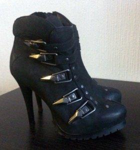 Обувь на каблуке. Ботинки женские. Ботильоны.