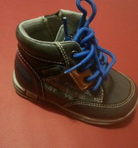 Весенняя обувь для мальчика Новые