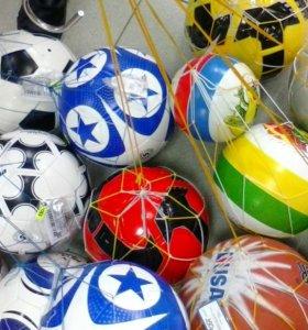Мячи футбольные, гимнастические.