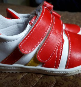 Новые!!!Детские ботинки
