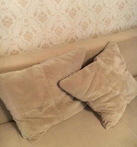 Интерьерные подушки для дивана