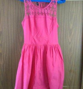 Розовое платье Gloria Jeans