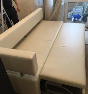 Кожаный белый диван