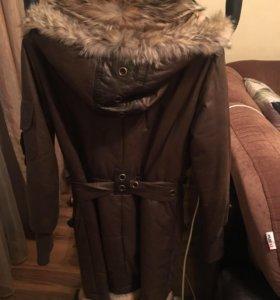 Шикарная кожанная удлиненная куртка с мехом