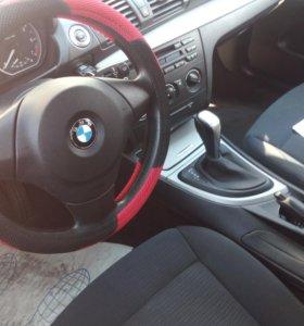 BMW 1серия  2010год