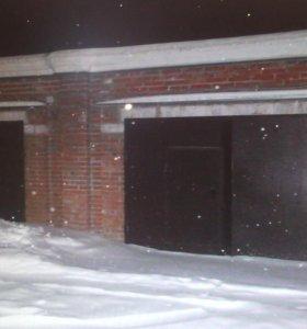 Продам большой гараж напротив музея
