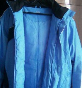 Спортивная куртка в идеальном состоянии Осень-Весн