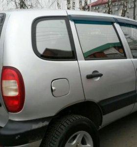 Автомобиль нива шевроле 2006 г.в.
