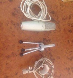 Конденсаторный студийный USB микрофон Force UM-300