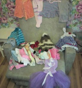 Одежда и игрушки погремушки для девочки