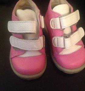 Кожаные ботиночки на девочку