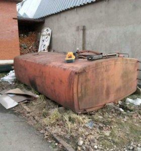 Цистерна от машины