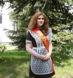 Школьное платье и фартук на выпускной