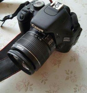 Зеркальная фотокамера Canon 600d +карта на 8гигов