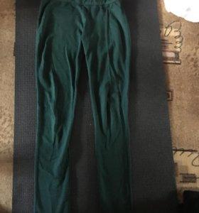 Плотные легинсы bershka тем.зелен и бордо 46,48