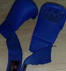 Накладки (перчатки для занятий боевыми искусствам)