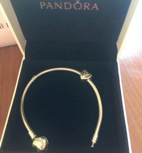 Браслет и шарм Pandora