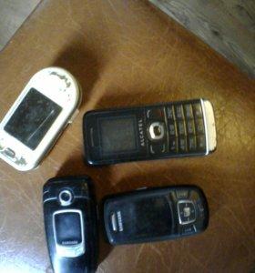 Старые телефоны(на запчасти)в рабочем состоянии