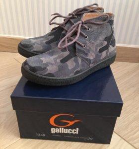 Ботинки новые Италия Gallucci 29р