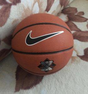 Мяч Nike Lebron X