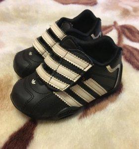 Детские кроссовки adidas 20размер