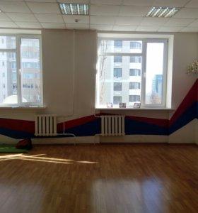 Зал для танцев фитнеса йоги и т.п.
