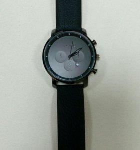 Стильные часы. Новые!