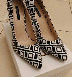 Прикольные туфли с психоделическим узором