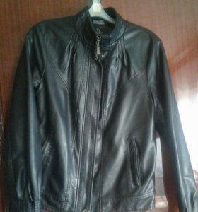 Куртка состояние   отличное,осень-весна.