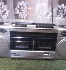 Двухкассетный магнитофон Philips