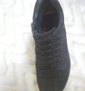 Ботинки осенние 39 размер
