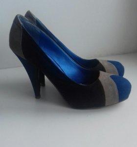 Красивые туфли 40р