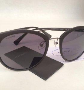 Prada солнцезащитные очки