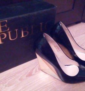 Туфли лаковые 38 р-р