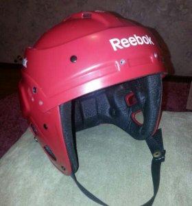 Шлем Reebok для хоккея