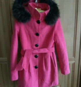 Пальто утеплённое р.44