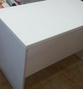 Столик белый ламинированный