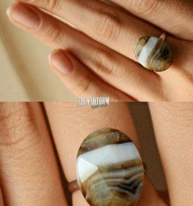 Новое кольцо с полосатым агатом