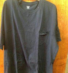 Две футболки, указана цена на одну