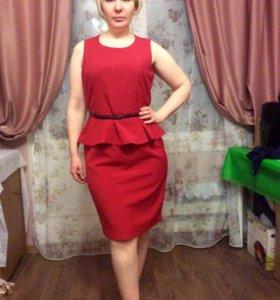 Красное платье 48р