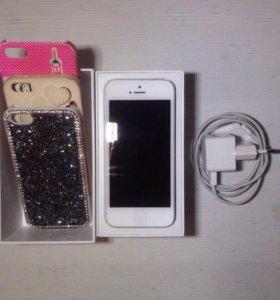 iPhone 5 16Gb + чехлы