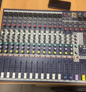 Пульт SOUNDCRAFT EFX12