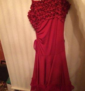 Платье. Красное. 44р