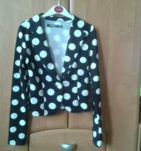 Пиджак для девочки 10-12 лет, на рост 152 см
