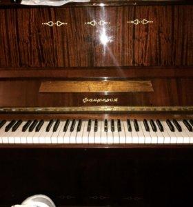 Фортепиано фантазия ,в хорошем состоянии.