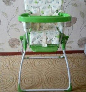 Детский складной стульчик для кормления