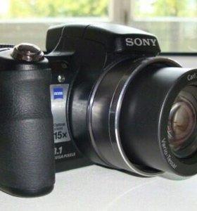 Sony DSC-H9