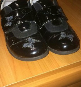 Ботинки для девочки на весну.