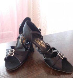 Туфли Юниоры 2 латина.